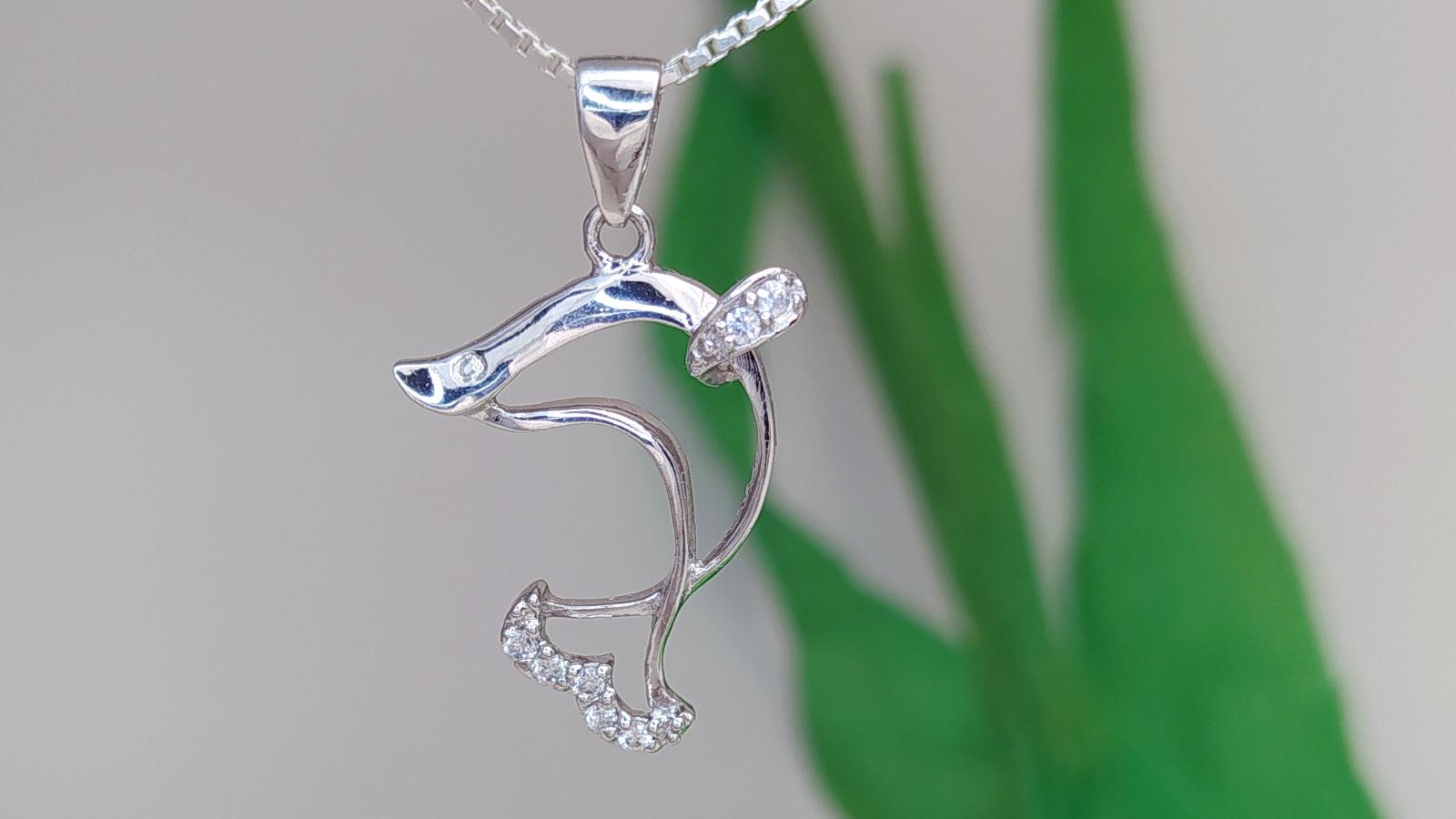 Stilizált Köves Delfin Ezüst Medál